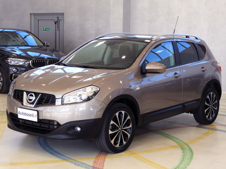 nissan qashqai 2 0 dci 150 cv n tec 4x4 automatica cambio automatico navigatore tetto. Black Bedroom Furniture Sets. Home Design Ideas