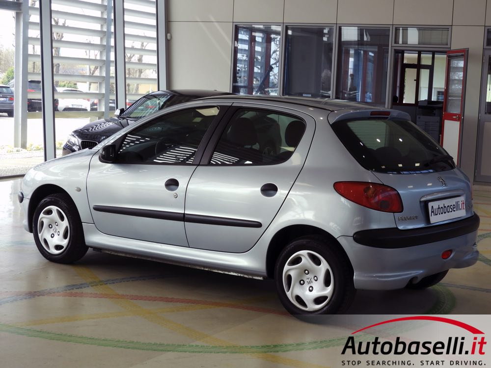 peugeot 206 1 4 hdi 68 cv 5 porte climatizzatore. Black Bedroom Furniture Sets. Home Design Ideas