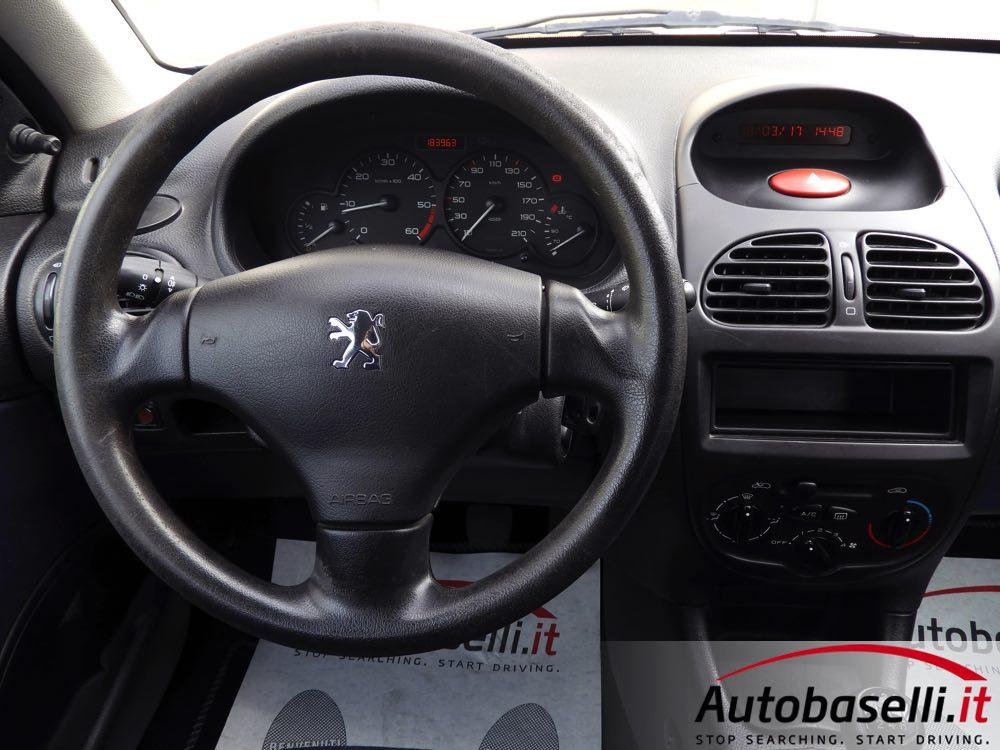 peugeot 206 1 4 hdi 68 cv 5 porte climatizzatore servosterzo airbag vetri elettrici. Black Bedroom Furniture Sets. Home Design Ideas