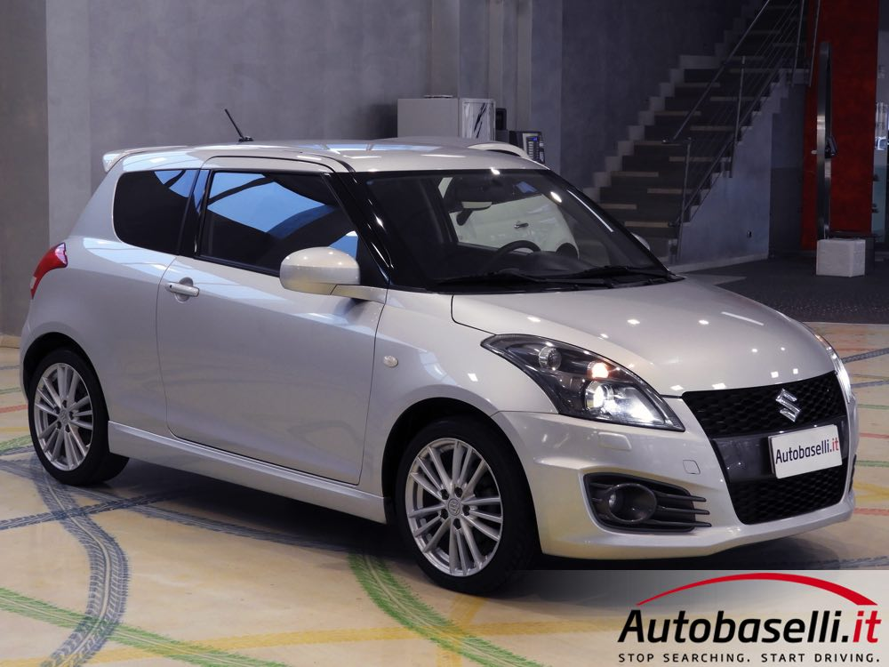 suzuki swift 1 6 sport 136 cv fari xeno bluetooth keyless 39 go cerchi in lega cruise. Black Bedroom Furniture Sets. Home Design Ideas