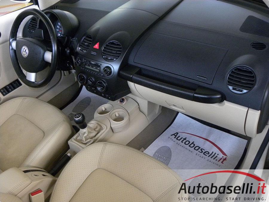 volkswagen new beetle cabriolet 1 6 102 cv pelle sed. Black Bedroom Furniture Sets. Home Design Ideas
