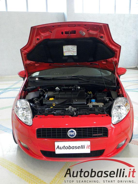 Fiat grande punto 1 9 mjt sport 130 cv climatizzatore for Motor city auto glass