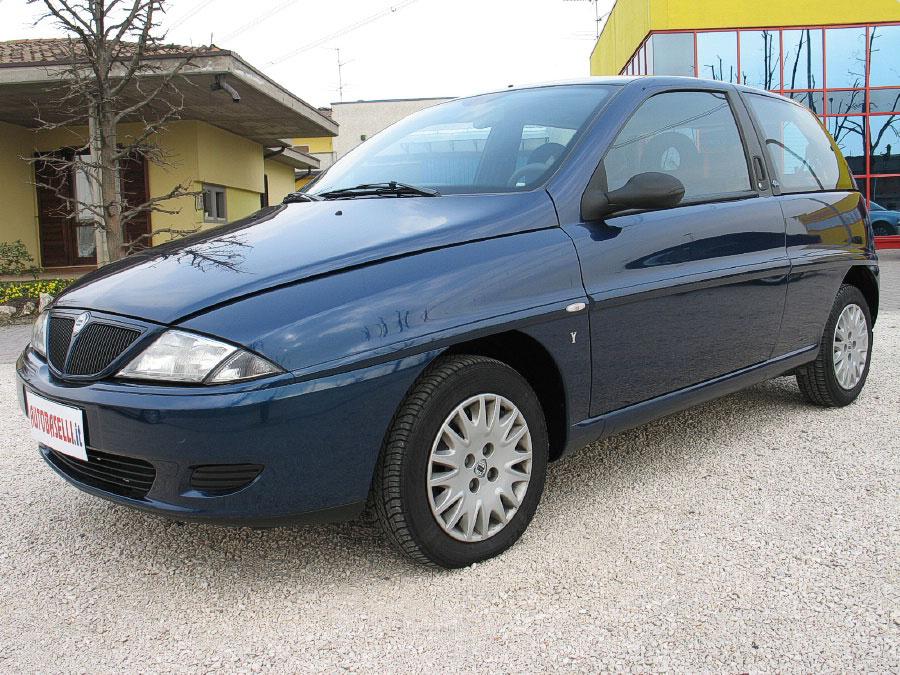 Lancia y 1 2 60cv elefantino blu air bag servosterzo for Interno lancia y