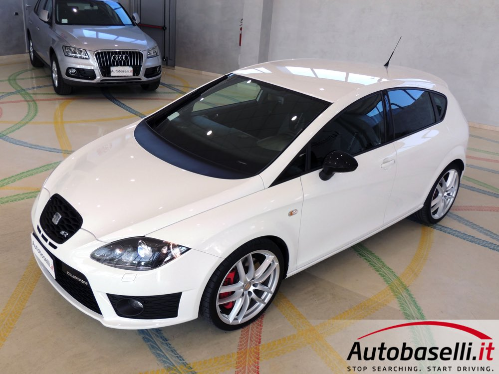 seat leon 2 0 tsi cupra r 265 cv sedili sportivi cupra in alcantara fari bi xeno. Black Bedroom Furniture Sets. Home Design Ideas