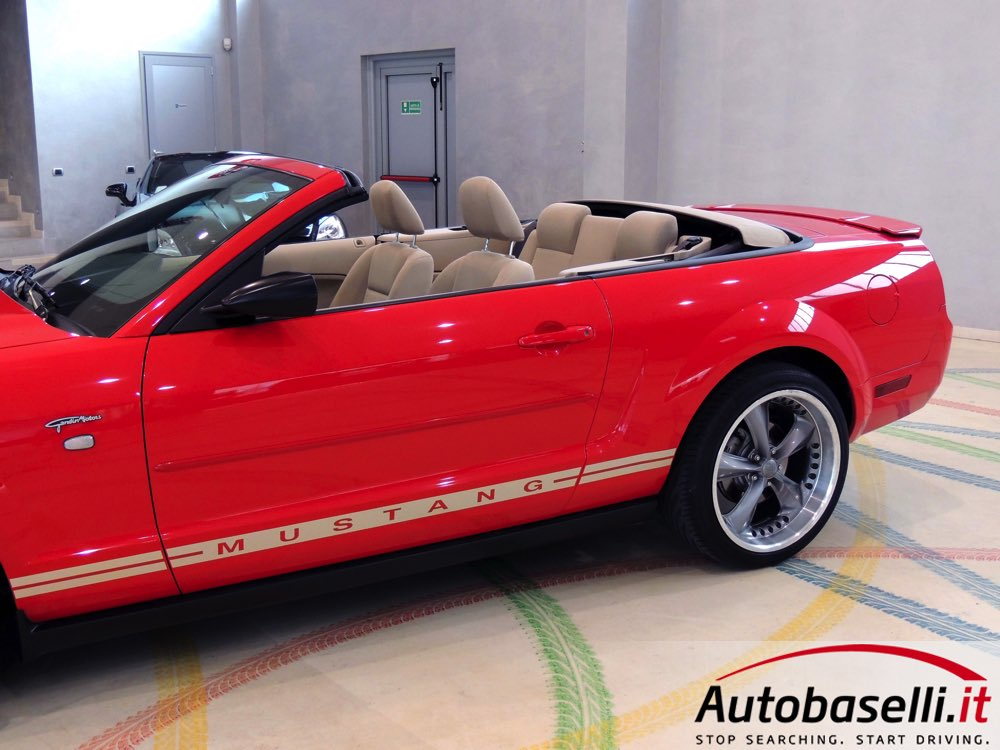 ford mustang convertible 4 0 v6 automatica cambio automatico cruise control capote elettrica. Black Bedroom Furniture Sets. Home Design Ideas